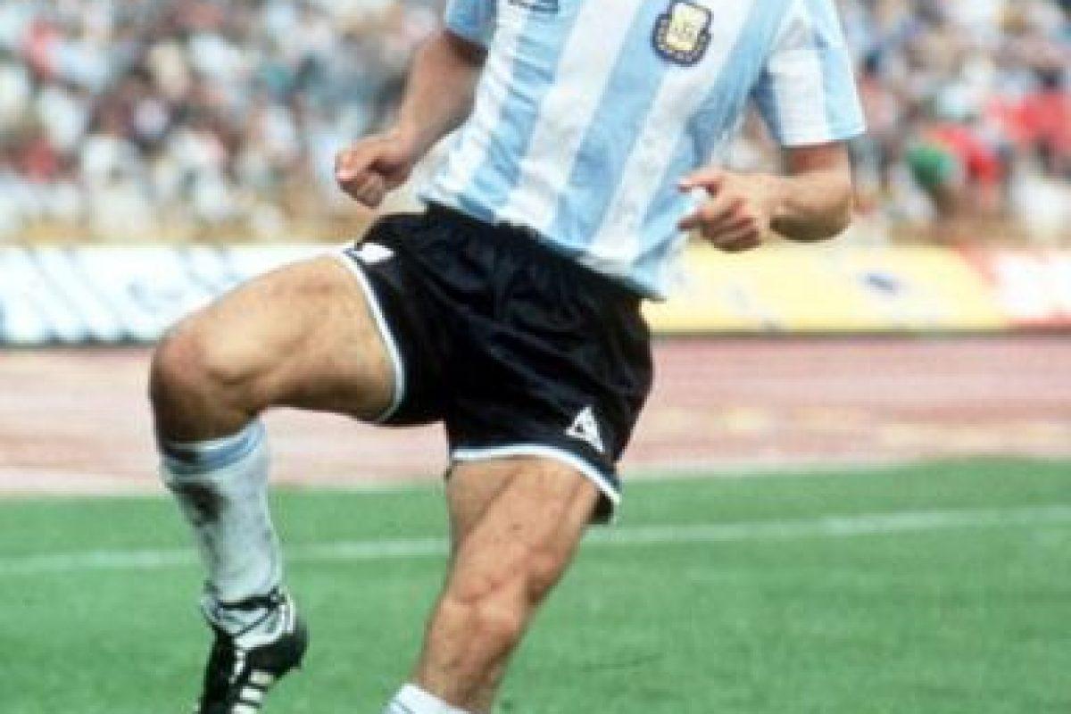 Al igual que Mario Kempes, el campeón del mundo en México 1986 sólo jugó la Copa América de 1975 en la cual, Argentina fue eliminada en la primera ronda y él no disputó ninguno de los partidos pues sólo tenía 18 años. Foto:Getty Images. Imagen Por: