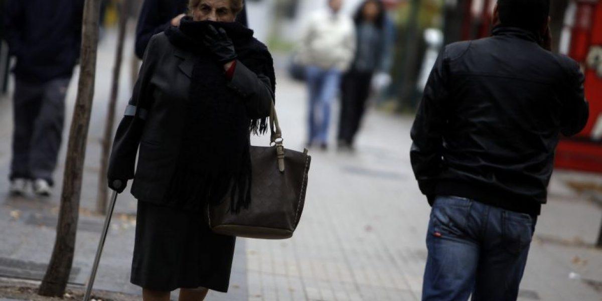 Frío matinal cobra su primera víctima fatal en Santiago