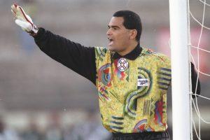 El símbolo de Paraguay en la década de los noventa, nunca pudo ganar la Copa América en las tres ediciones en que participó (1991, 1993 y 1997). En 1991 Paraguay quedó fuera en la primera ronda y en los dos torneos restantes, perdieron en cuartos de final ante Ecuador y Brasil. Foto:Getty Images. Imagen Por: