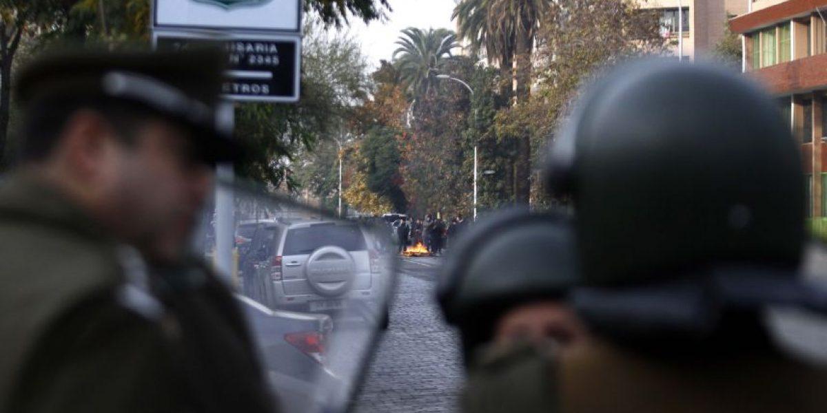 Investigan ataque incendiario contra Comisaría de Carabineros