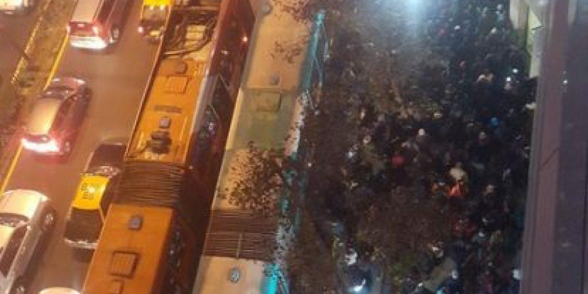 Interrupción en servicio L1 de Metro provoca fuerte congestión
