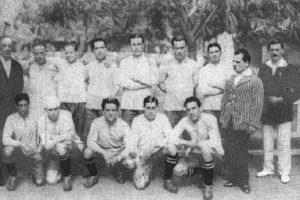 En 1920, la ciudad de Viña del Mar recibió el primer torneo organizado por Chile, en el que los locales usaron su camiseta roja por primera vez. Uruguay fue el campeón. Foto:Wikimedia. Imagen Por: