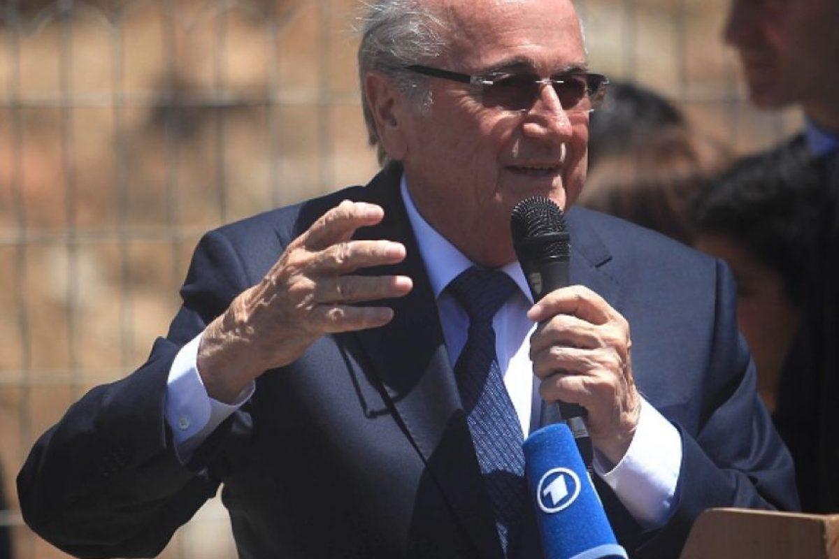 """Además, Tomlinson añadió que Joseph Blatter, presidente del organismo """"es un maestro de la manipulación y de la supervivencia"""", por lo que no cree que este escándalo le afecte en su carrera en la reelección. Foto:Getty Images. Imagen Por:"""