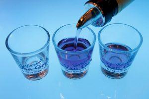 Falleció al intentar romper el récord de beber más shots en el bar local, en la localidad de Clermont-Ferrand, en Francia. Foto:Getty Images. Imagen Por:
