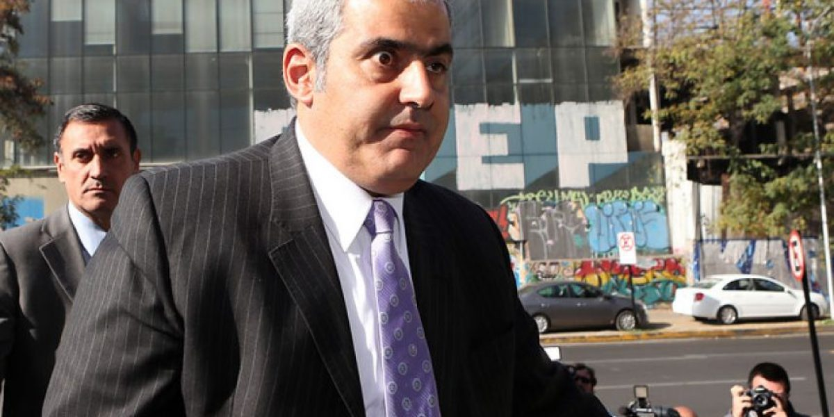 Esta imagen del fiscal Sabas Chahuán genera alerta en Twitter