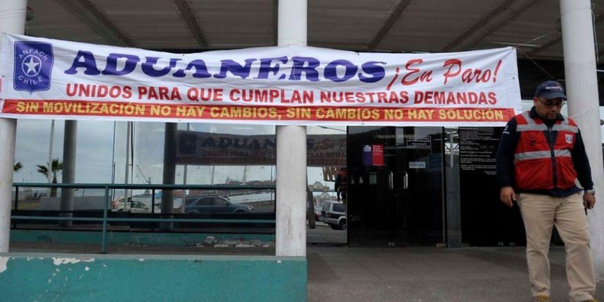 Anef se suma a la movilización de los funcionarios de Aduanas