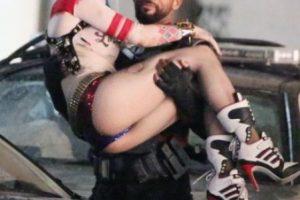 """Encuentro cercano entre """"Harley Quinn"""" y """"Deadshot"""" Foto:Grosby Group. Imagen Por:"""