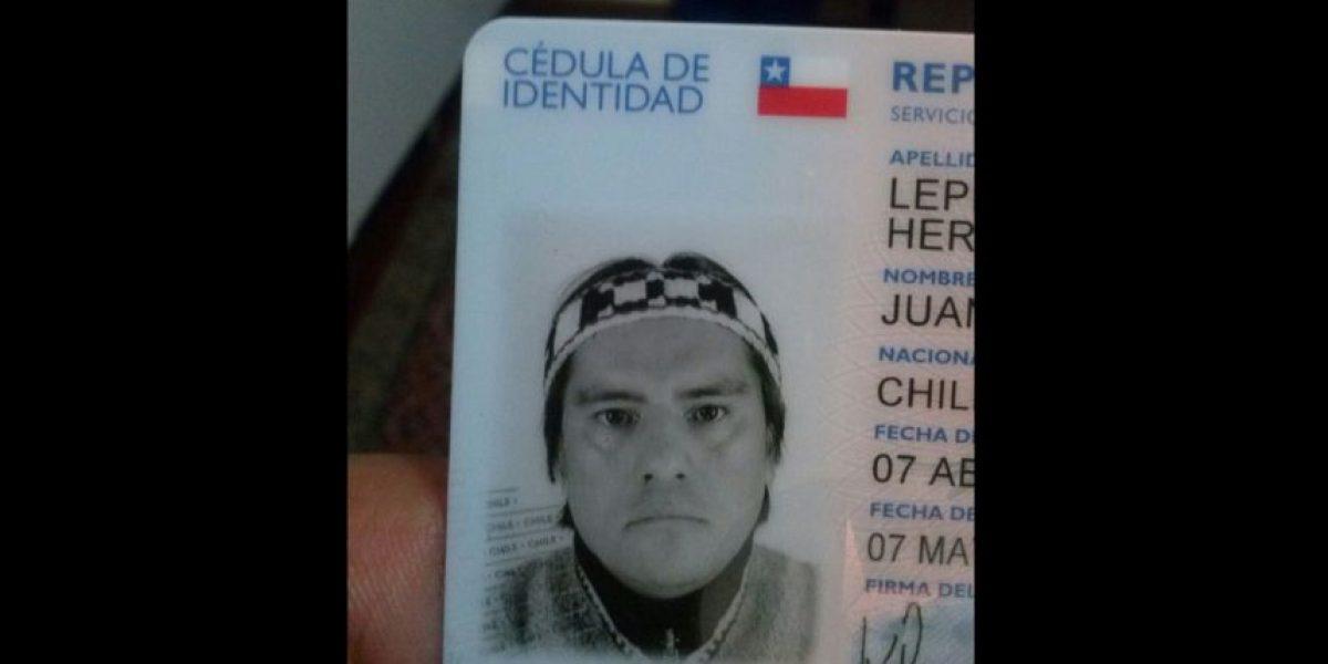 Mapuche exigió aparecer con trarilonko en foto de su cédula