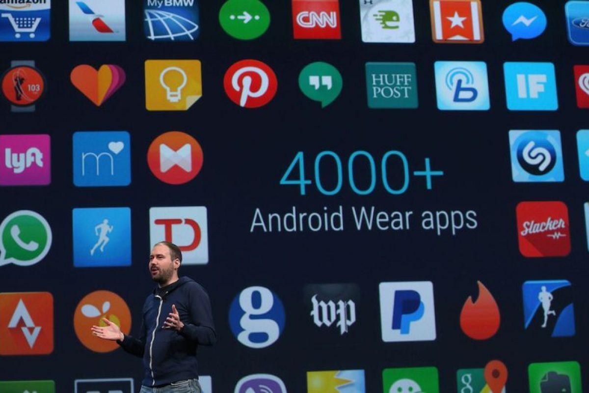 Existen más de cuatro mil aplicaciones para los relojes inteligentes y una próxima actualización permitirá usar emojis, hacer gestos con la muñeca, entre otras. Foto:Getty Images. Imagen Por:
