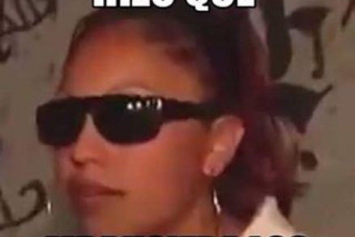 Esta mujer perteneciente a una tribu urbana de México también se ha hecho popular por sus lentes.. Imagen Por: