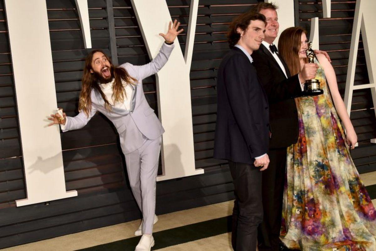 Acción de moverse dentro de una fotografía, de manera graciosa o como una broma. Foto:Getty Images. Imagen Por: