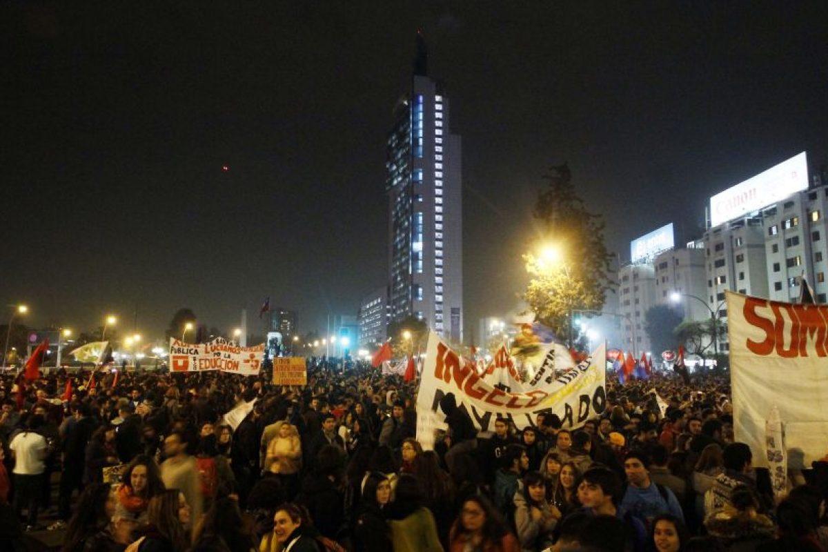 Miles de personas marcharon por la Alameda en la capital Foto:Agencia Uno. Imagen Por:
