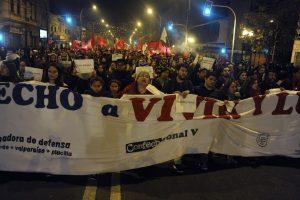 Las calles de Valparaíso también fueron testigos del paso de los estudiantes Foto:Agencia Uno. Imagen Por: