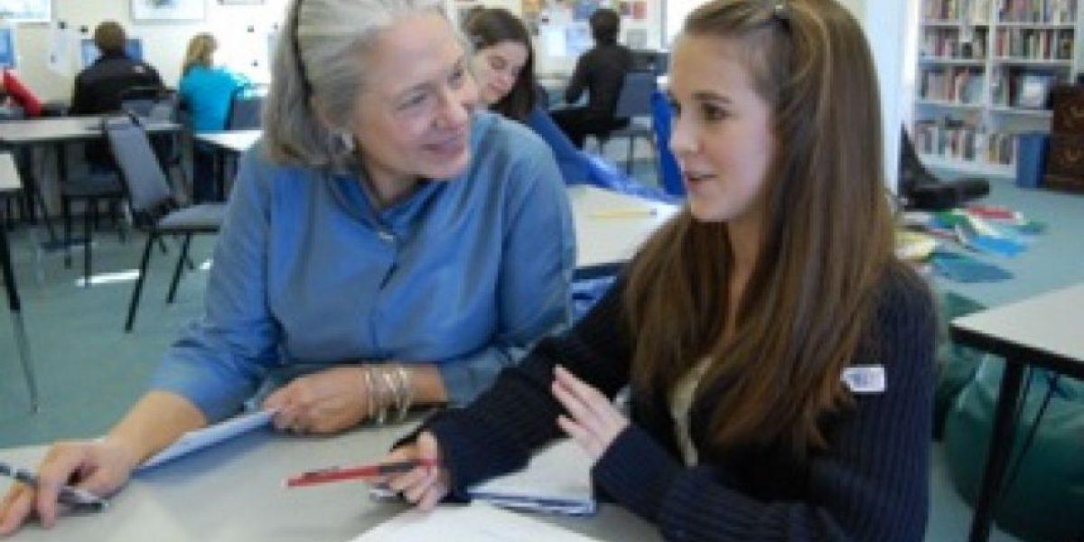 Profesor chileno podría ganar US$1 millón en gran premio mundial