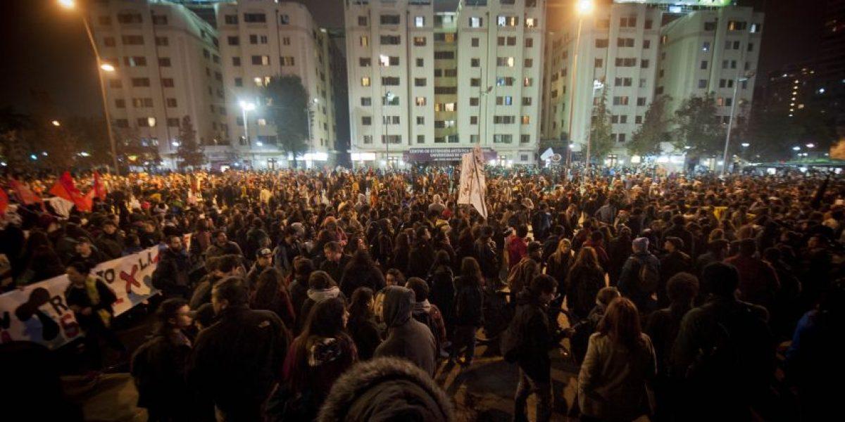 Marcha estudiantil se toma las calles de Chile