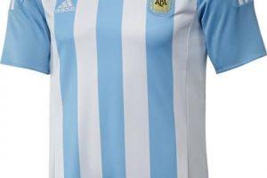 Esta será la camiseta de local del equipo albiceleste. Foto:Adidas. Imagen Por: