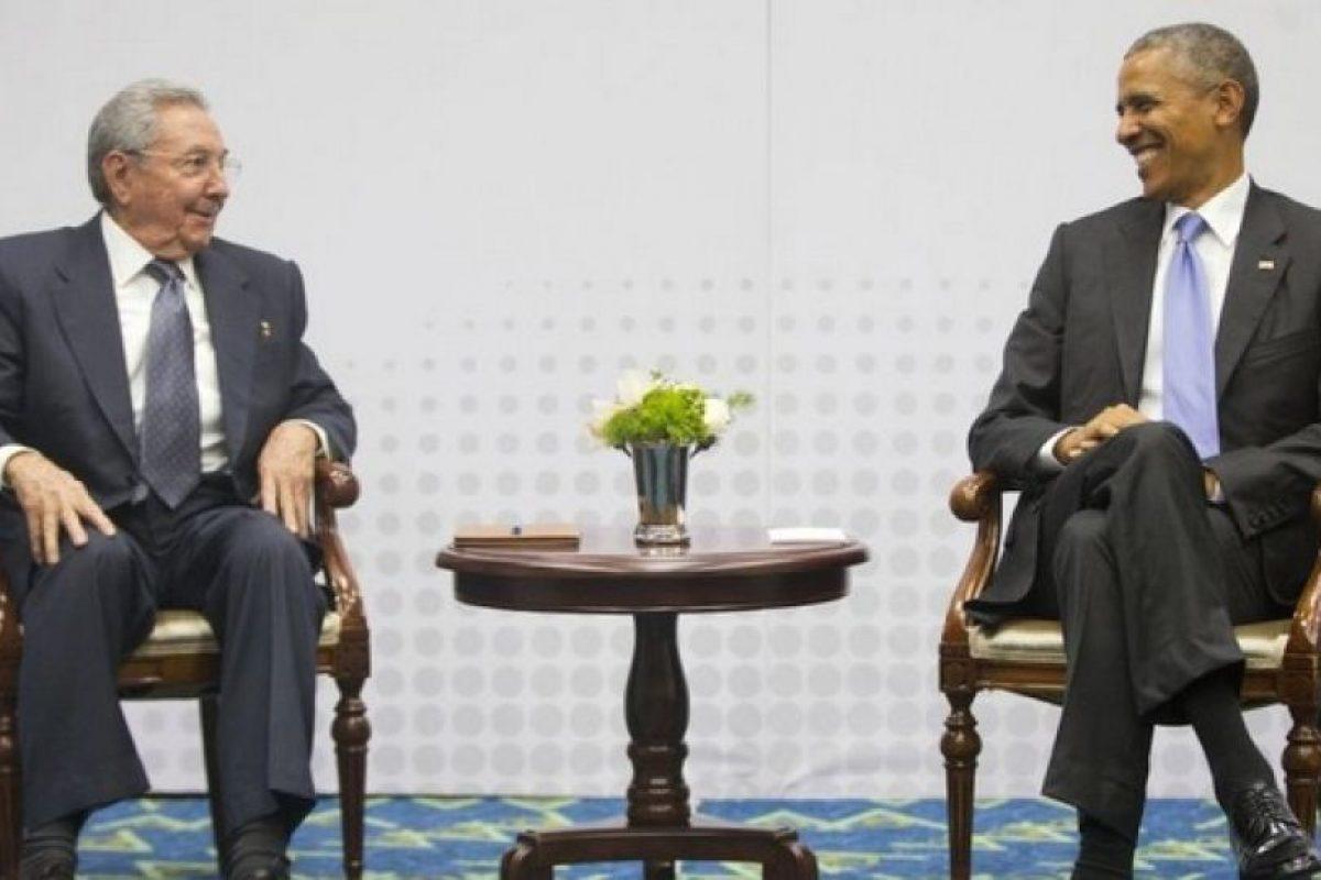 La VII edición de la Cumbre de las Américas fue el escenario donde se reunieron por primera vez en más de 50 años ambos presidentes Foto:AP. Imagen Por: