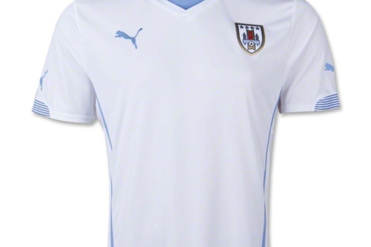 La camiseta de visitante es en blanco. Foto:Puma. Imagen Por: