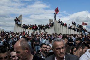 Entierro de albaneses que fallecieron en enfrentamientos con la Policía Foto:AFP. Imagen Por:
