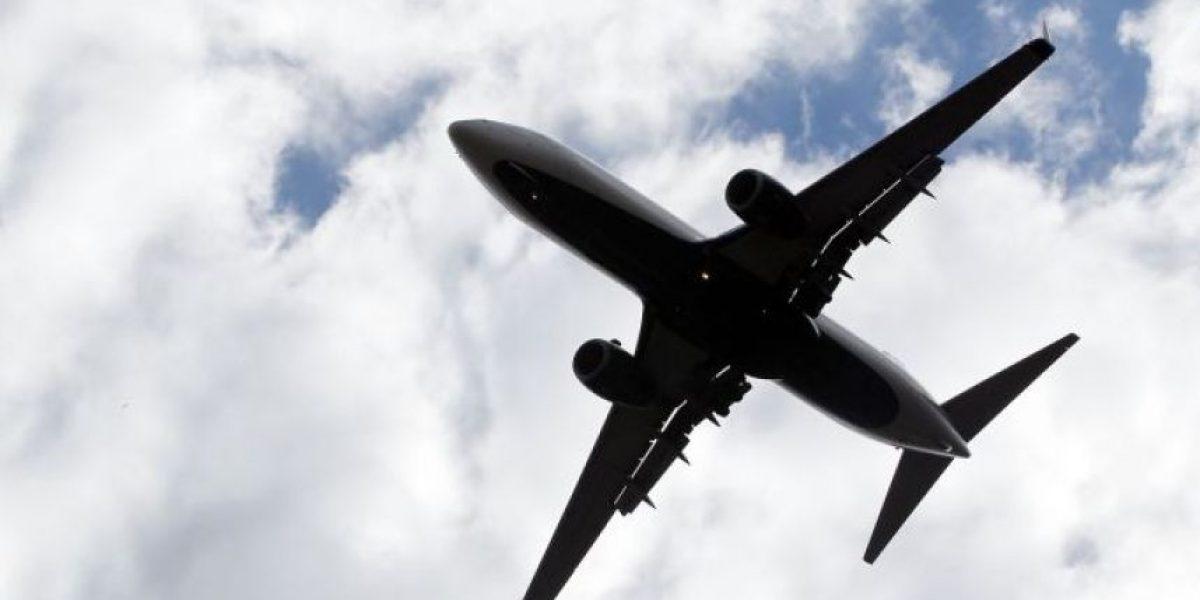 FOTOS: A este avión solo le pusieron cinta adhesiva antes de despegar