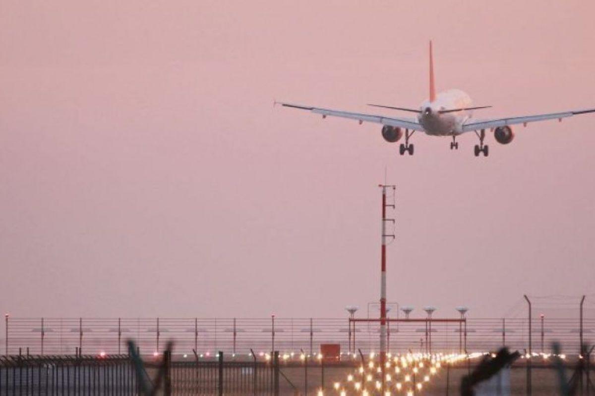 """3. Lo bajaron del avión por ser demasiado """"grande"""". Foto:vía Getty Images. Imagen Por:"""