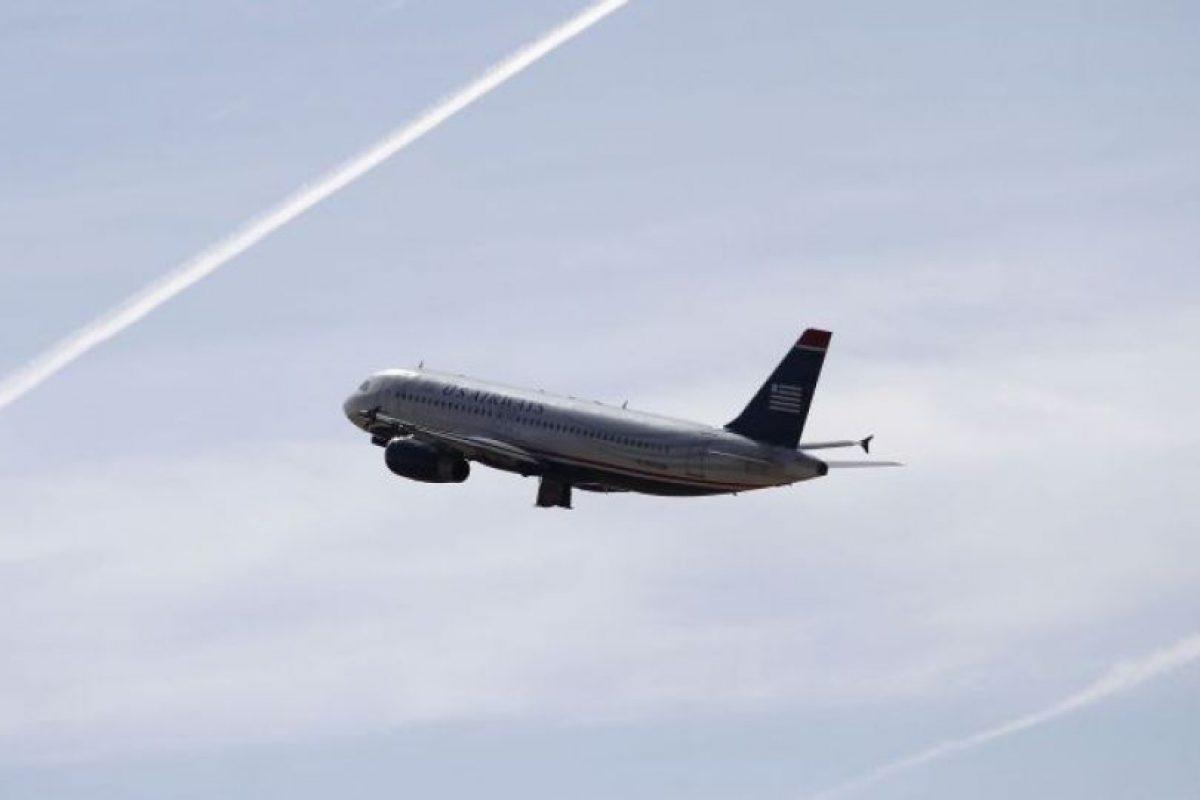 """Un vuelo de United Airlines hizo un aterrizaje de emergencia para """"deshacerse"""" de Juliette Forbes, de 15 años; y su familia, al considerar que la adolescente tenía """"problemas de conducta"""". Foto:vía Getty Images. Imagen Por:"""