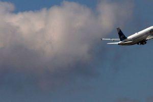 """A través de Twitter, Rodrigo Viadas, un pasajero de la aerolínea mexicana """"Aeroméxico"""" denunció que el capitán del vuelo 427 que iba de Miami a México, lo bajó del avión porque a otra persona le molestó su homosexualidad. Foto:vía Getty Images. Imagen Por:"""