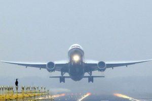 """La aerolínea """"Southwest Airlines"""" decidió obligar a Kevin Smith -director y guinista estadounidense- a bajar del avión debido a que lo consideraron demasiado """"grande"""". Foto:vía Getty Images. Imagen Por:"""