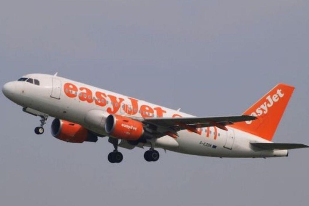 De hecho, la cinta se usa para hacer reparaciones rápidas que eviten los retrasos en los vuelos. Foto:vía Wikimedia. Imagen Por: