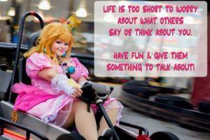 """Esta princessa Peach en """"Mario Kart"""". Foto:vía The Curvy Geek. Imagen Por:"""