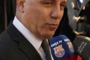 Pero por su pasado en el Barcelona, siempre se ha declarado fanático del equipo y es uno de sus más fervientes seguidores. Foto:Vía twitter.com/Hristo8Official. Imagen Por: