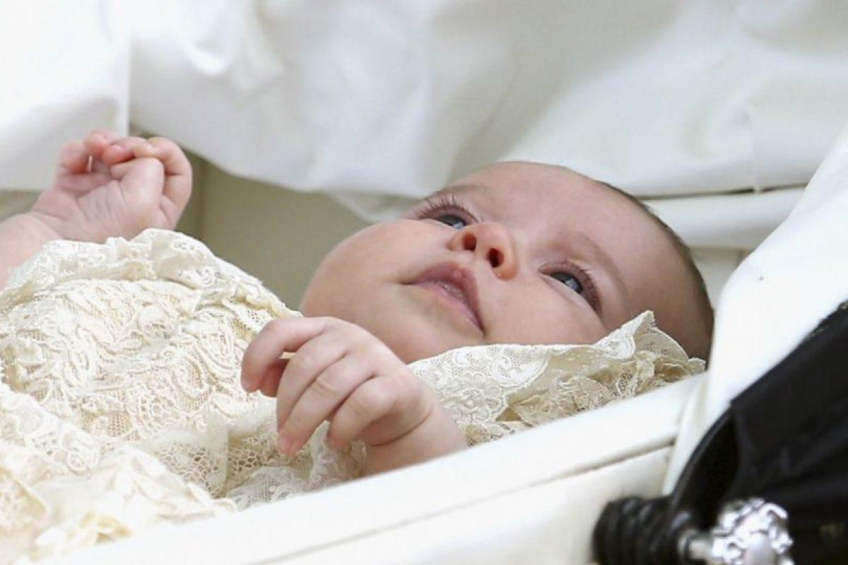 Su padres eligieron cinco padrinos para su bautizo. Foto:AP. Imagen Por: