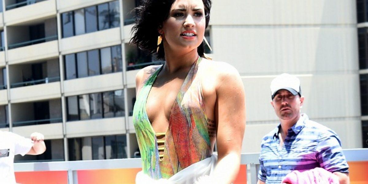 Demi Lovato impactó con destapado y