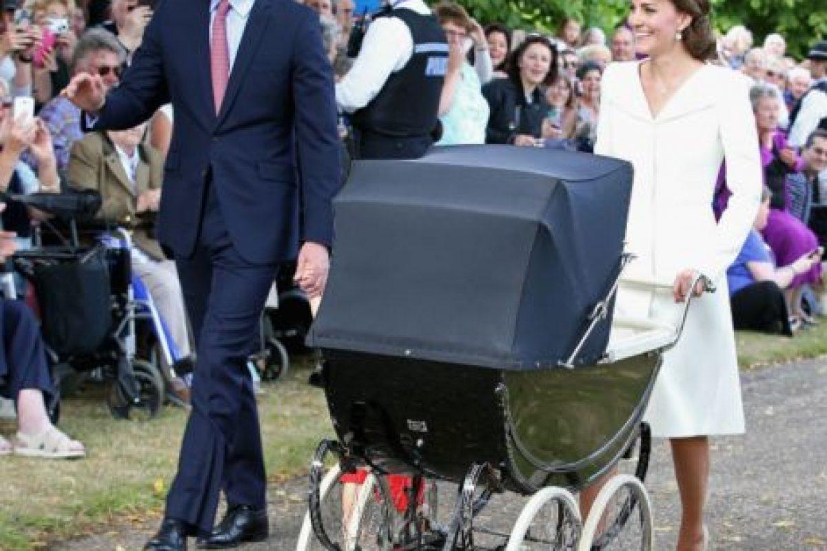 Los duques permitieron que los admiradores de su familia fueran participes del evento. Foto:Getty Images. Imagen Por: