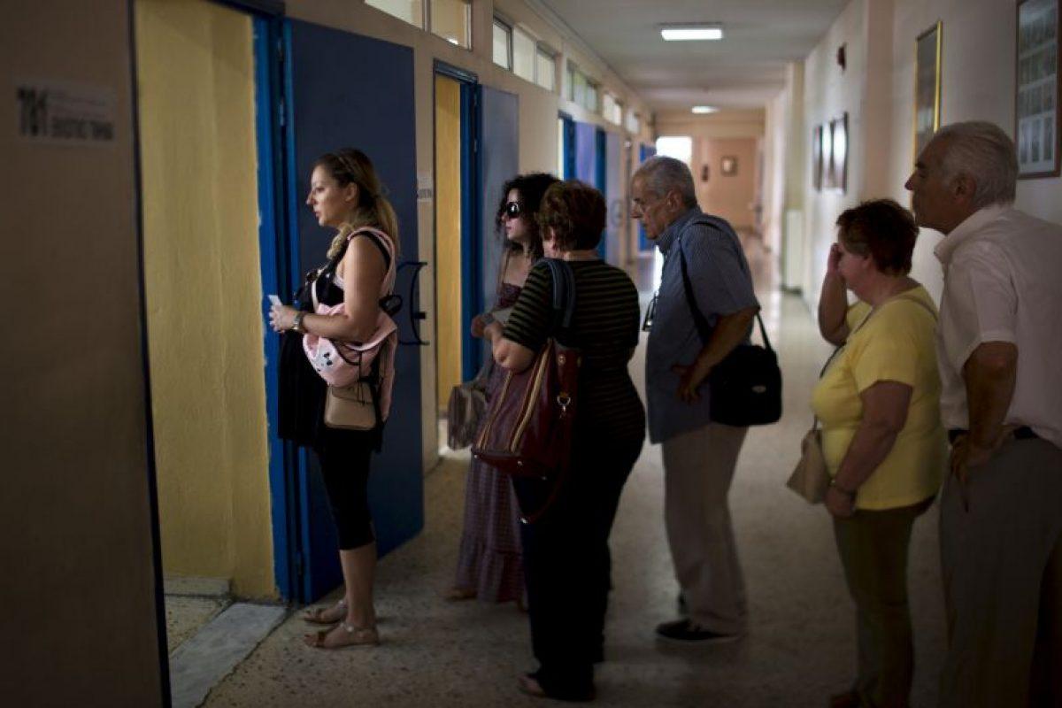 Se espera que al menos un 40 por ciento de ciudadanos participe en la votación para considerar el resultado genuino. Foto:AP. Imagen Por: