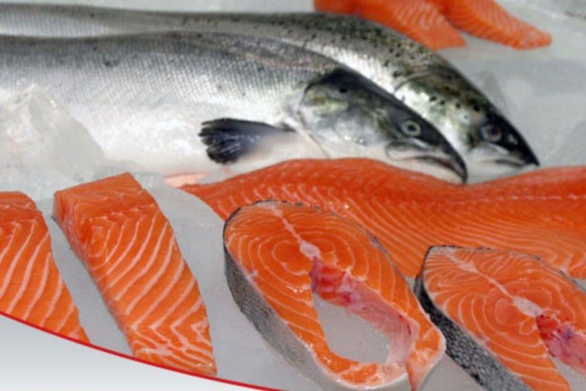 LO QUE SE DICE: El salmón por su alto contenido de ácidos grasos omega 3 es un alimento ideal para bajar el colesterol y bajar de peso. Foto:Wikimedia. Imagen Por: