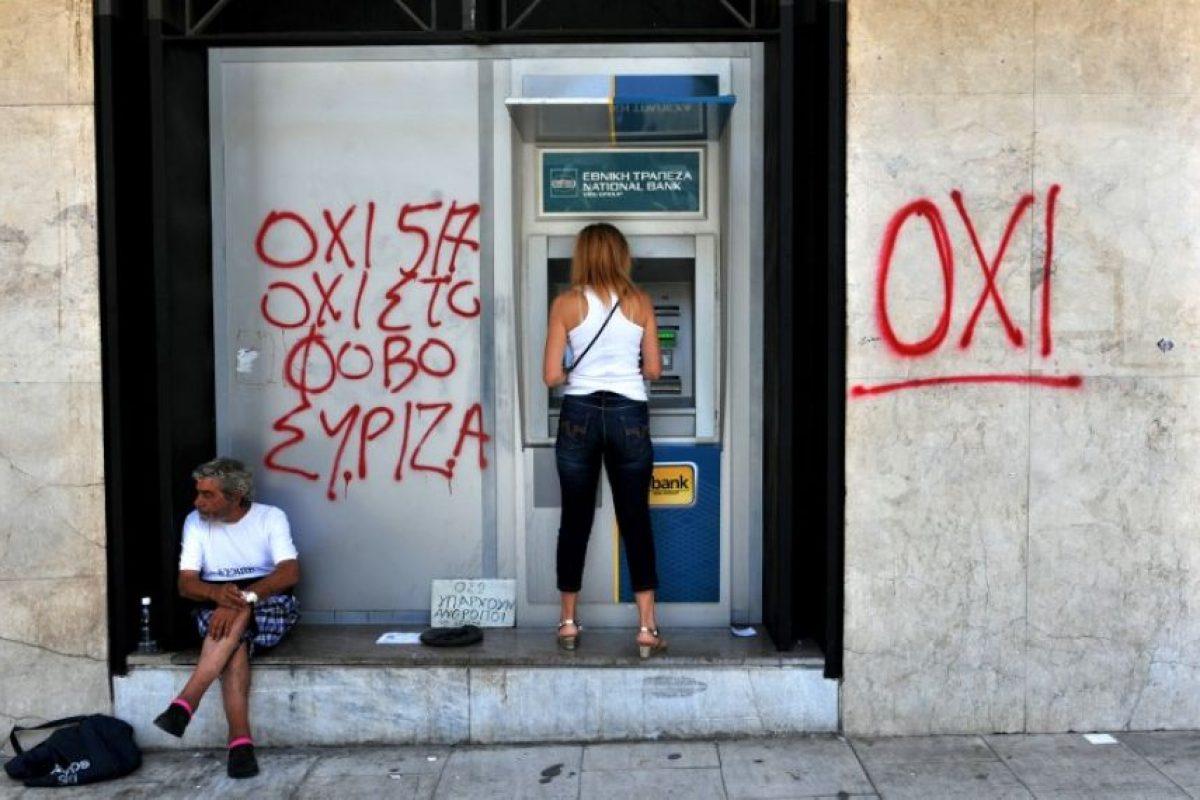 Solamente se puede sacar dinero en los cajeros automáticos Foto:AFP. Imagen Por: