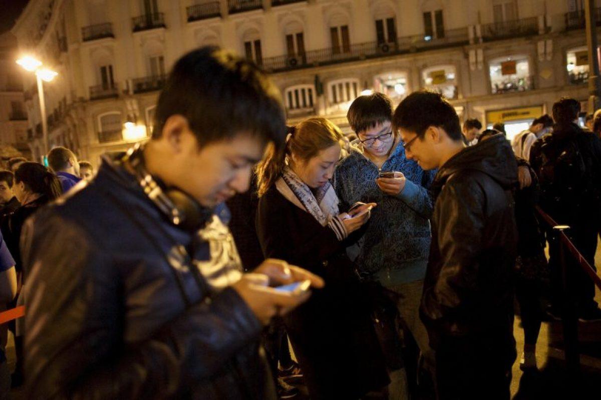 4. Escasa batería: se trata de uno de las mayores desventajas de los Smartphone, ya que en su gran mayoría la batería se gasta de una forma más rápida que la de otros tipos de móviles. Foto:Getty Images. Imagen Por: