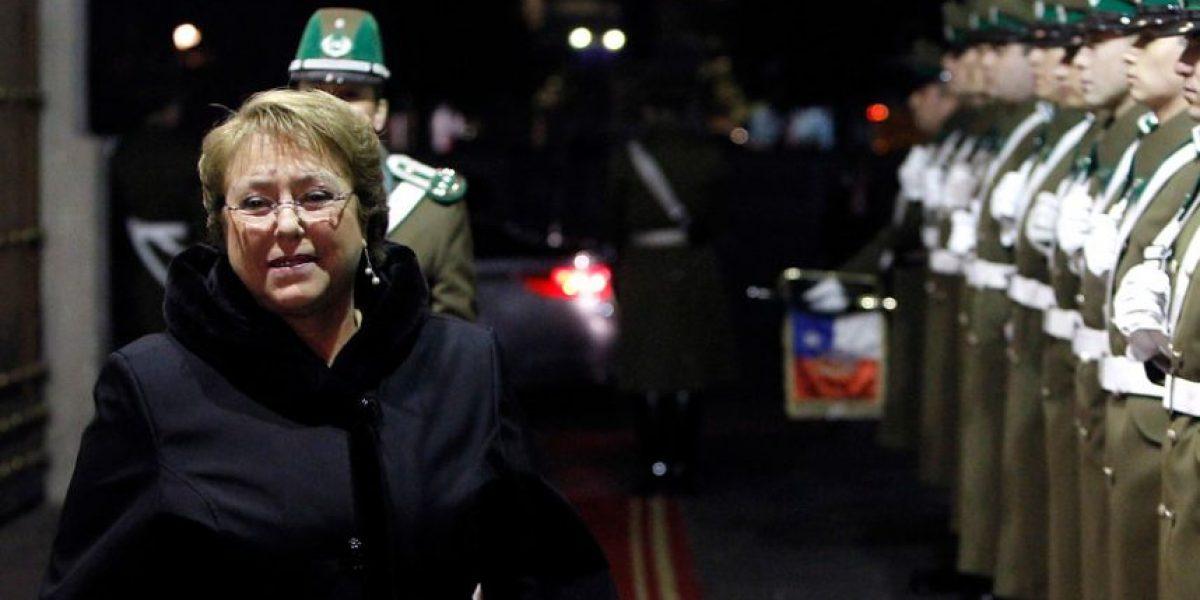 El lunes más feliz de Michelle Bachelet en La Moneda