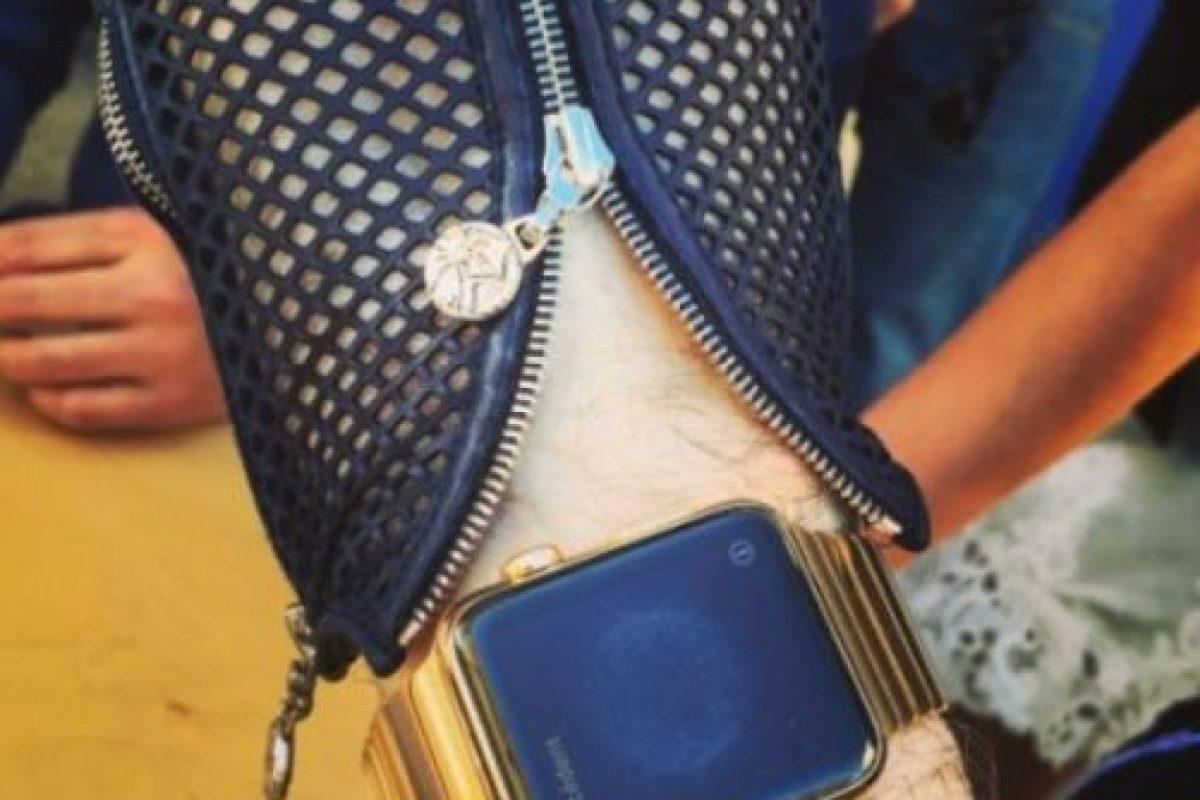 Karl Lagerfeld, uno de los diseñadores de moda más influyentes de la segunda mitad del siglo XX, también tiene su Apple Watch. Foto:instagram.com/bentoub. Imagen Por: