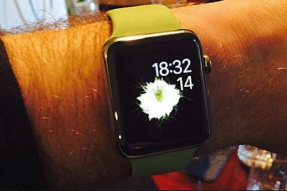 """Sam Smith, cantante y compositor británico. Se dio a conocer a mediados de octubre de 2012 tras colaborar en el sencillo """"Latch"""" del dúo Disclosure. Dijo que el reloj se lo entregó el jefe de diseño de Apple Jony Ive. Foto:instagram.com/samsmithworld. Imagen Por:"""