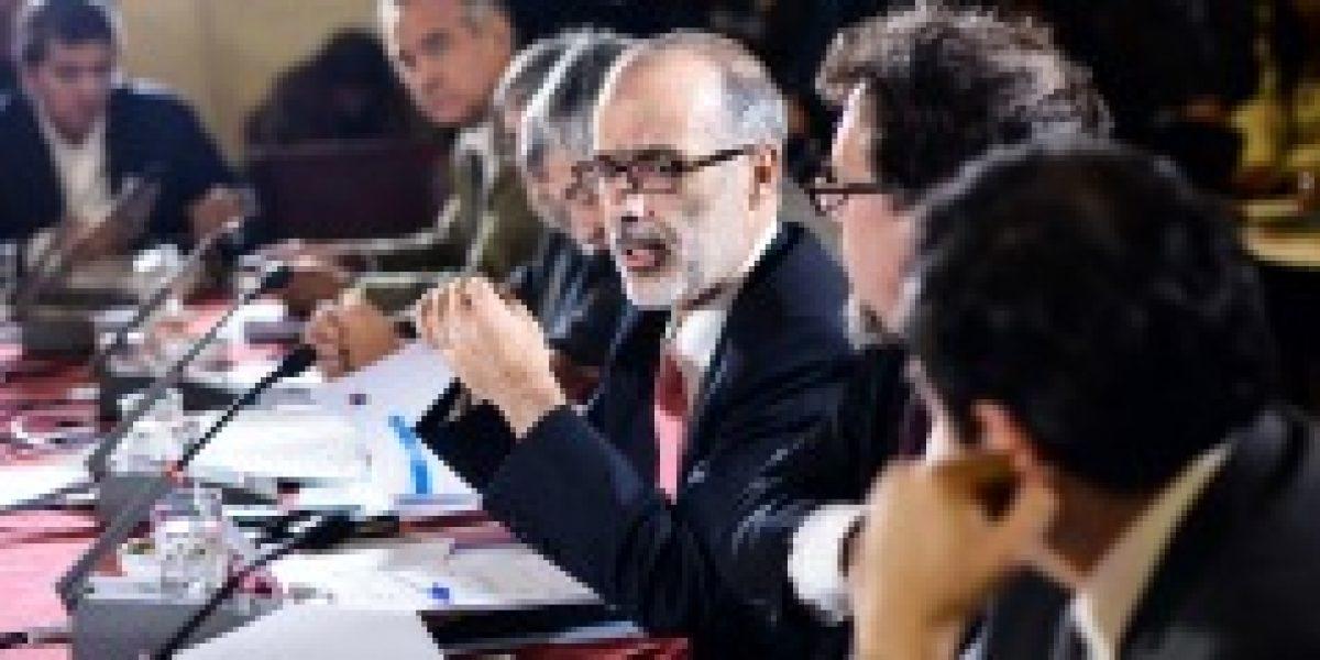 Valdés sincera las cifras: rebaja proyección de crecimiento del 3,6% al 2,5% para 2015