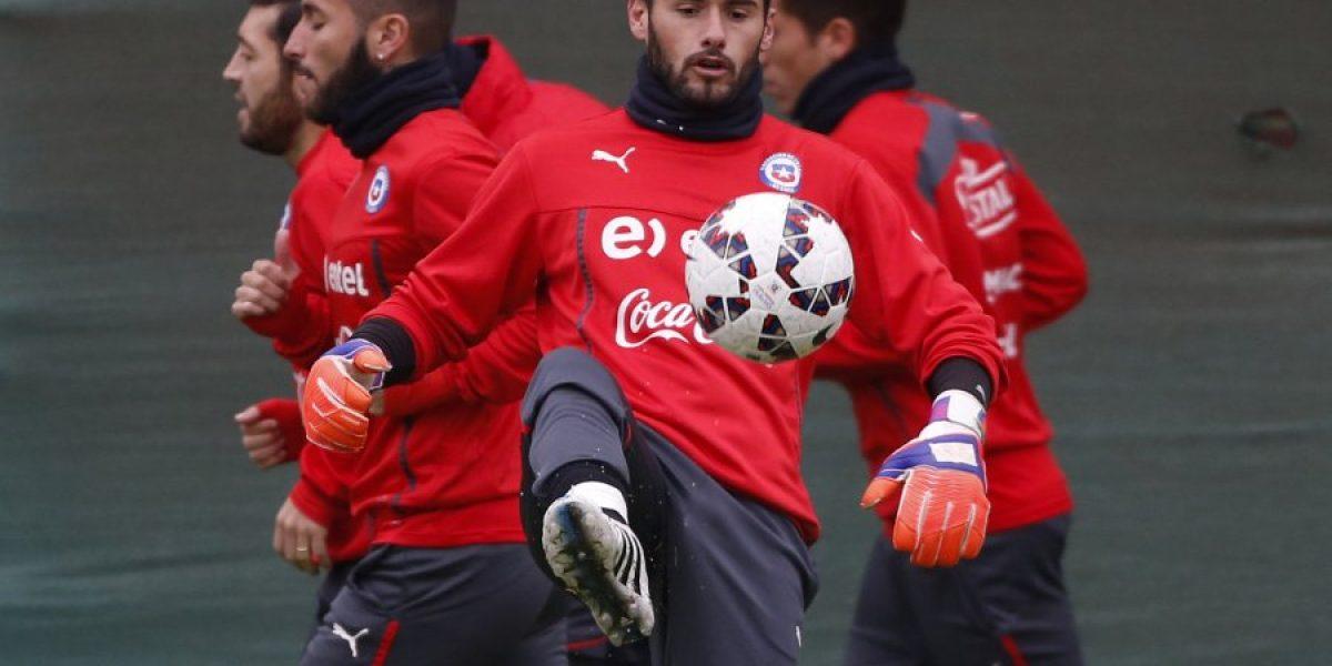 Paulo Garcés no se mueve de Colo Colo tras petición de José Luis Sierra