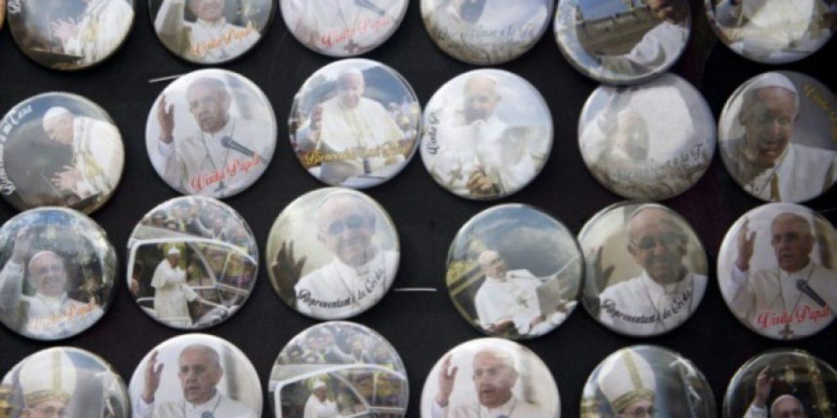 La imagen del papa alivia bolsillos y otros apuros en Ecuador