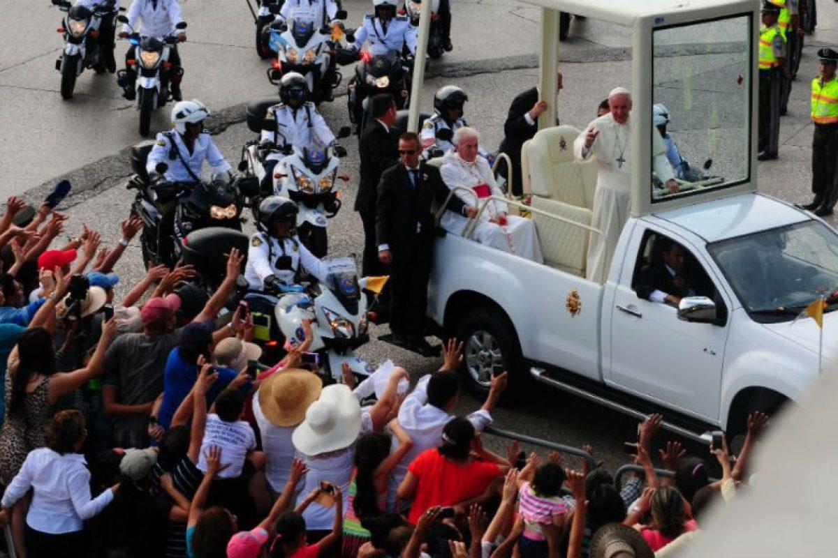 El Papa Francisco fue recibido con ovaciones. Foto:AFP. Imagen Por: