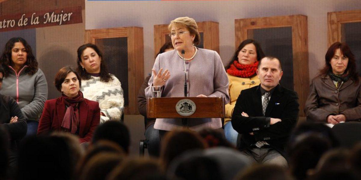 Bachelet descarta apoyo a proyecto para hipotecar casas de jubilados