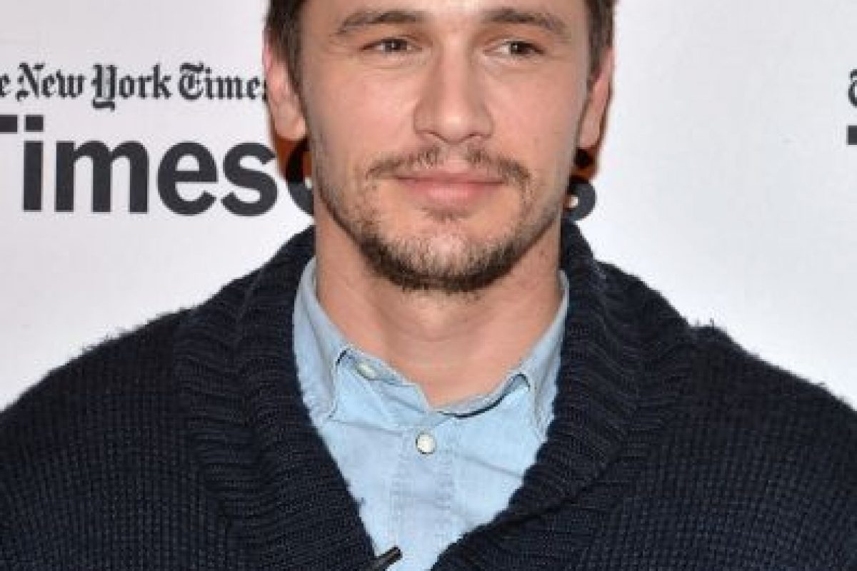 """El actor se trenzó el cabello y cambió sus blanca dentadura por una metálica, todo esto para la cinta """"Spring Breakers"""" (2012). Foto:Getty Images. Imagen Por:"""