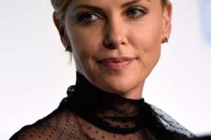 La actriz se metió en la piel de la asesina, Aileen Wuornos, quien recibió ina inyección letal en 1992. Foto:Getty Images. Imagen Por: