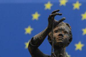 20- European Union (Unión Europea) – Es una comunidad política creada para propiciar y acoger la integración y gobernanza en común de los Estados y los pueblos de Europa. Foto:Getty Images. Imagen Por: