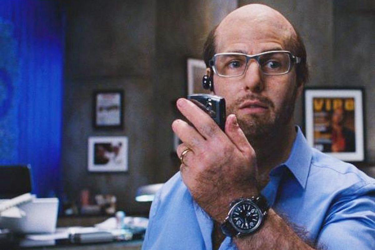 Aquí el actor sin cabello, con lentes y unos kilos de más. Foto:YouTube. Imagen Por: